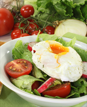 Arugula and Bell Pepper Salad with Poached Eggs