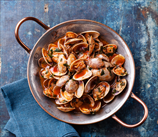 Clams with Tomatoes and Oregano