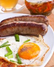 Eggs and Sausage with Kiwi-Blackberry Breakfast Salad