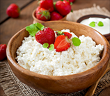 Organic Cottage Cheese with Ripe Strawberries & Sliced Almonds