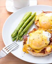 Quick Keto Eggs Benedict