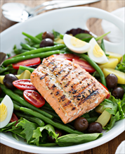 Salmon Niçoise Salad with Classic French Vinaigrette