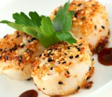 Sesame Scallops with Orange, Fennel & Kalamata Salad