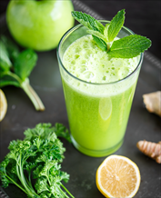 Super Green Juice with Green Apple